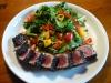 Thunfisch in Sesamkruste mit Mango-Chili-Salat